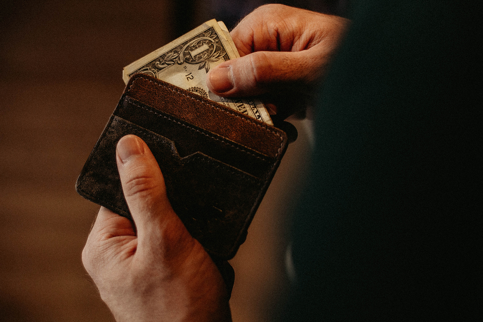 What Do Wallets Have To Do With Back Pain? (Hint: More than you think)